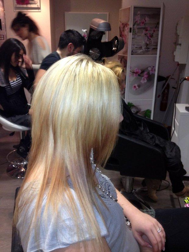 balayage tie and dye classique sur cheveux blonds