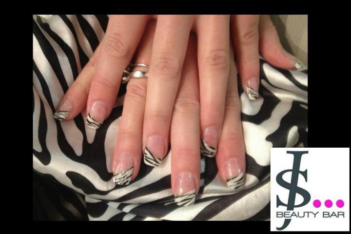 nail art zèbre